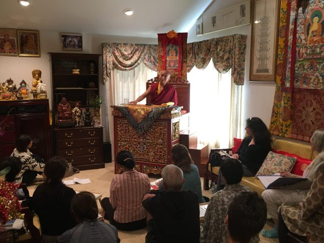 Rinpoche teaching during Retreat